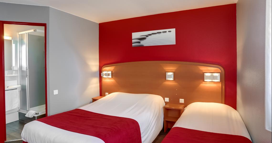 Chambre Triple - Hôtel initial Amiens / Longueau by balladins