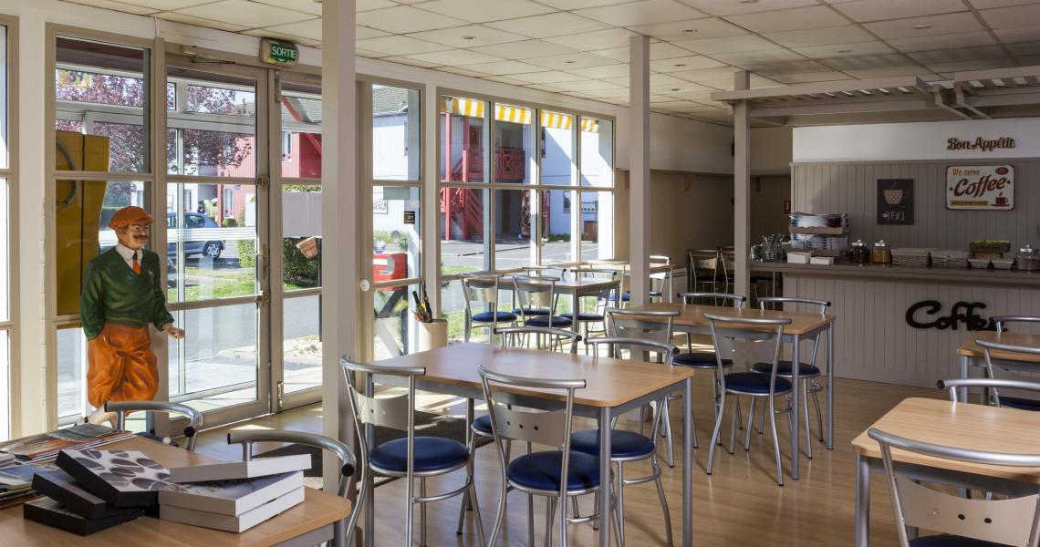 Salle des Petits-déjeuners - initial by balladins blois