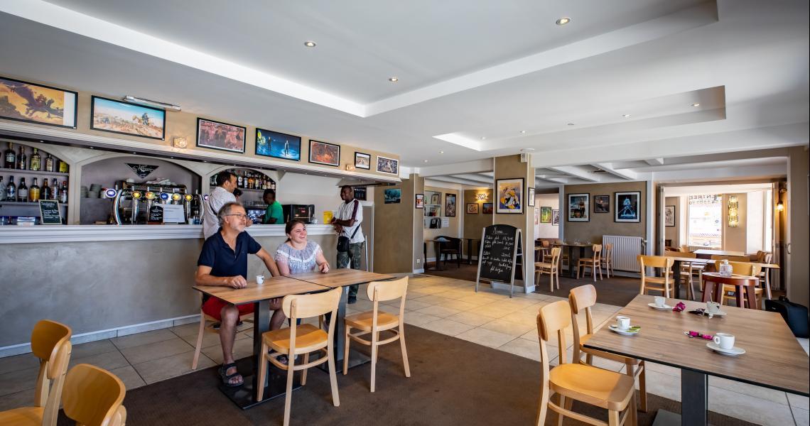 Hotel de la gare chateauroux - bar 2