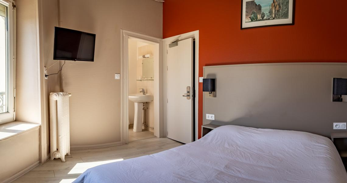 Hotel de la gare chateauroux - chambre double 1-2