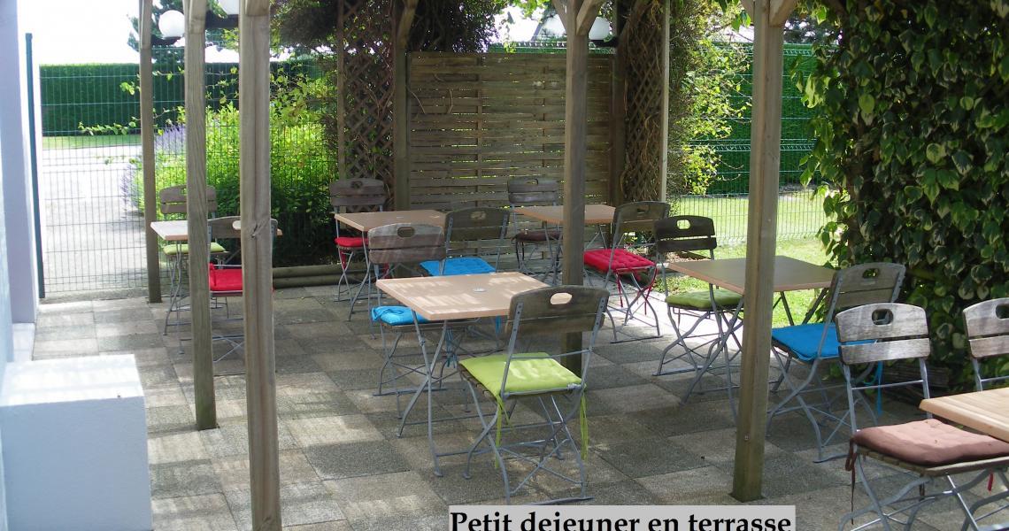 Terrasse - initial by balladins dieppe