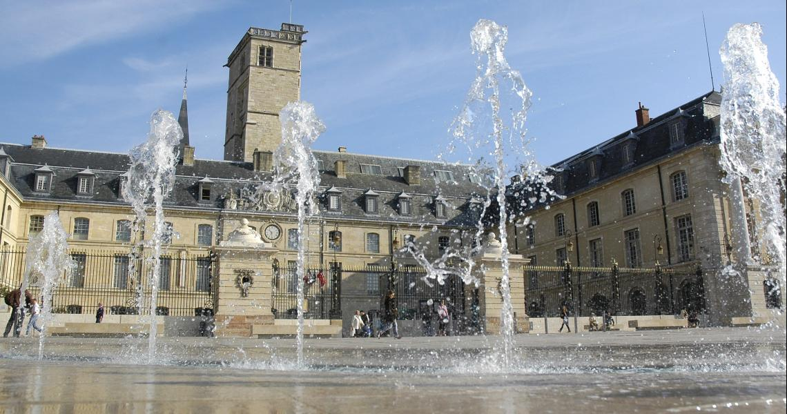 Place de la libération - Crédit photo : OT de Dijon - Atelier Demoulin