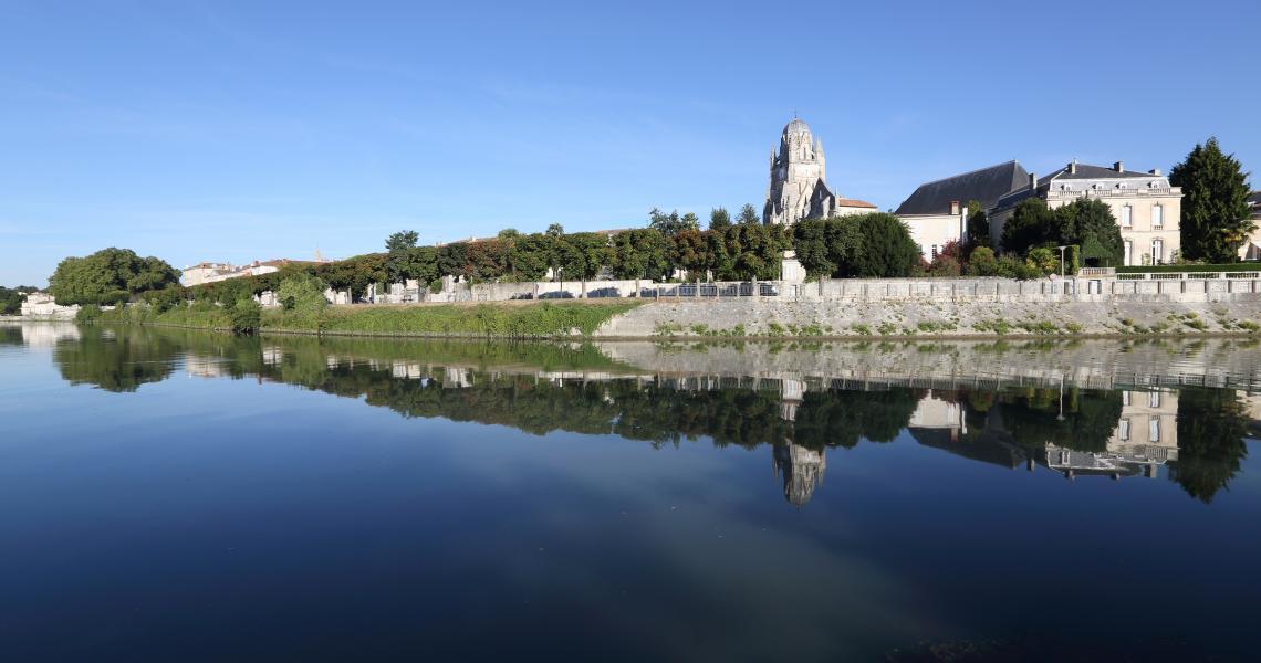 Bords de Charente - Crédit photo : S. Laval
