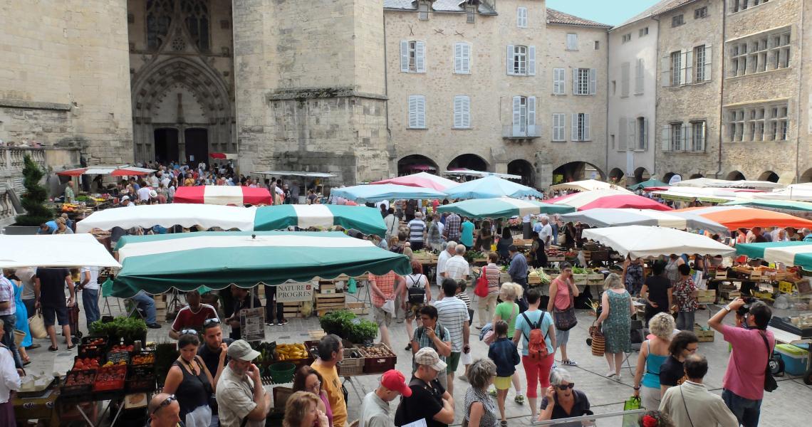 Marché - Crédit photo : OT Villefranche-de-Rouergue