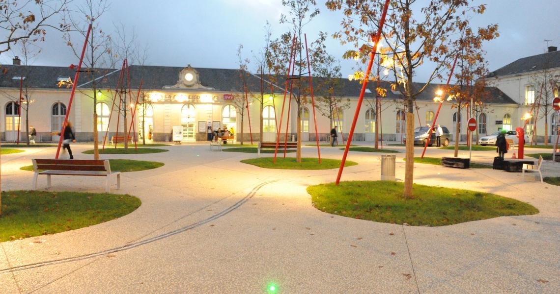 Gare de la Roche-sur-Yon - Place Napoléon - Crédit Photo ©Ville de La Roche-sur-Yon - Tous droits réservés