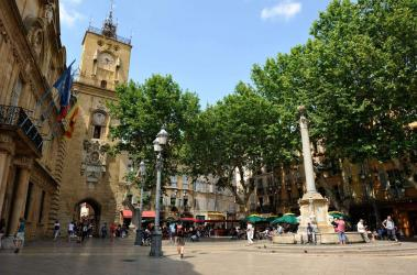 Place de la Mairie - Crédits R.-Cintas-Flores