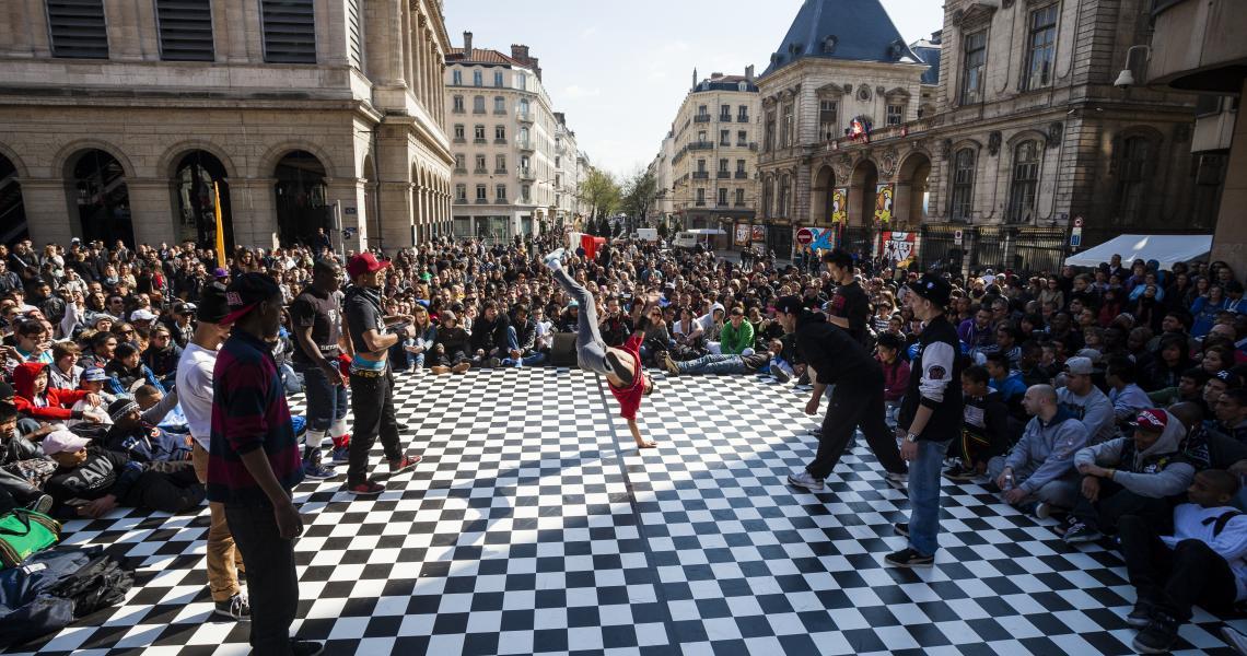Festivités devant l'Opéra de Lyon