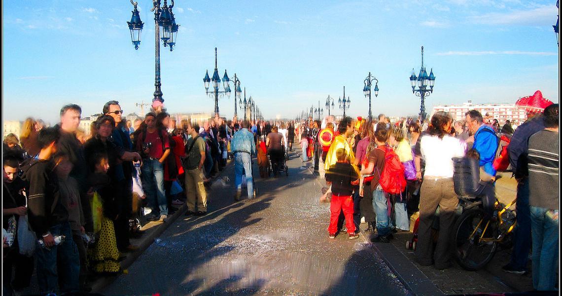 Le Carnaval des Deux Rives dans les rues de Bordeaux