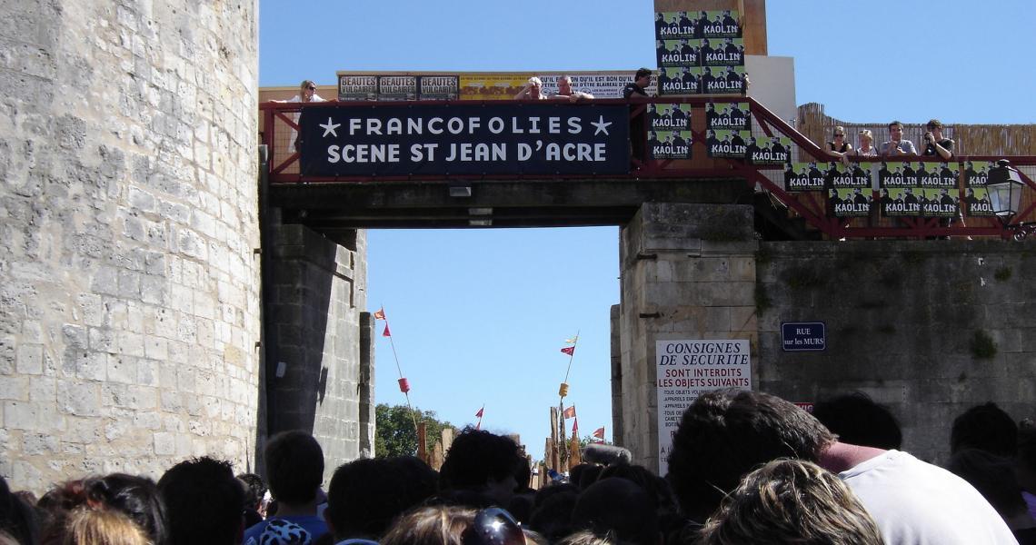 Vers la scène Saint-Jean-d'Acres