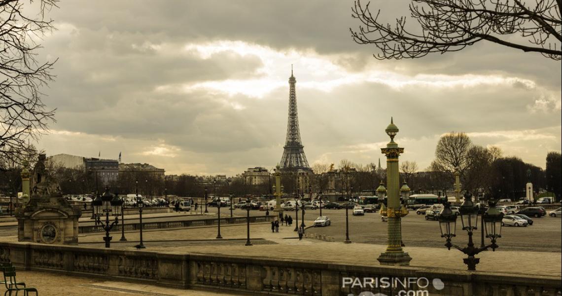 la Dame de fer dans Paris