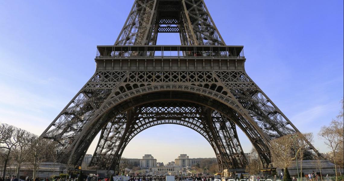 La Tour Eiffel et le Trocadero à l'arrière plan