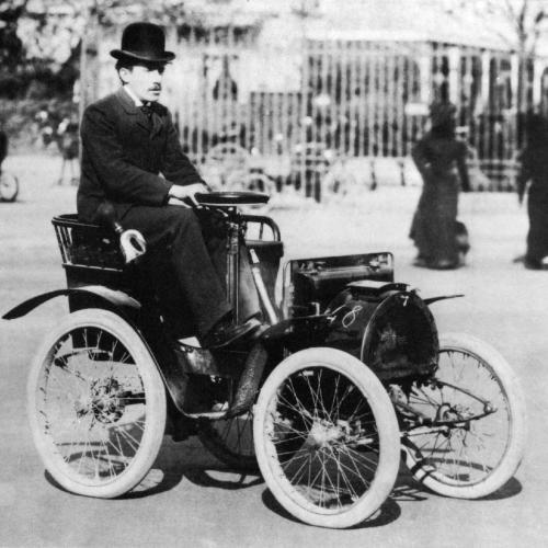 Course de voitures centenaires