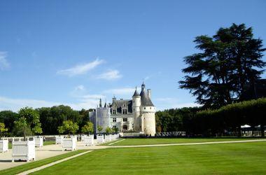 Castle-of-chenonceau-1203186-1280x960