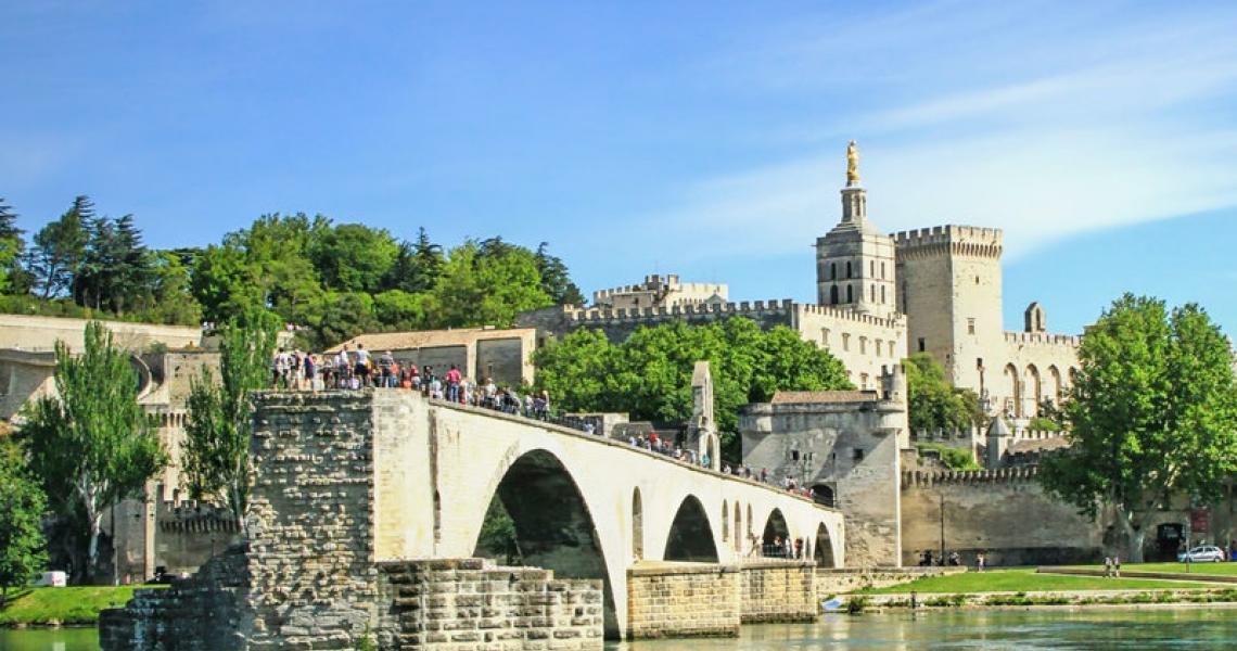Pont d'Avignon - Crédits Photoprofi30 Shutterstock