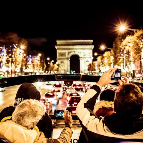 Illuminations de Noël à Paris : visite nocturne en bus à toit ouvert Open Tour